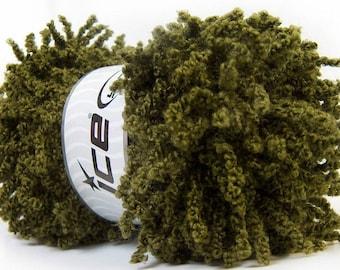 ruffle yarn in green color