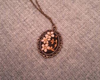 Elegant necklace in antique bronze cameo, Handmade necklace,  Antique bronze necklace