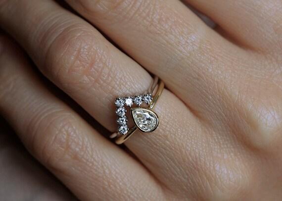 Wedding Set 0.5 Carat Pear-Shaped Diamond Ring with Matching