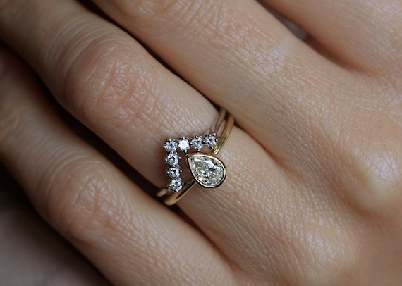 Wedding Set 0.5 Carat Pear-Shaped Diamond Ring with Matching