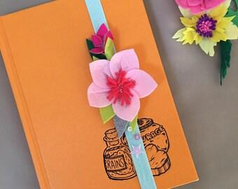Felt flowers bookmark