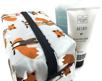 Boxy Bag Cosmetic Bag Dopp Kit Toiletry Bag Travel bag Makeup Bag in Fantastic Fox