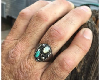 Vintage Sterling silver turquoise/ mother of pearl ring
