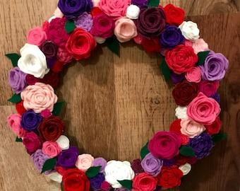 Rose wreath, flower wreath, felt flowers, felt roses, front door wreath, welcome wreath, colorful flowers, spring