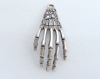 large 4cm Anatomy skeleton hand charm