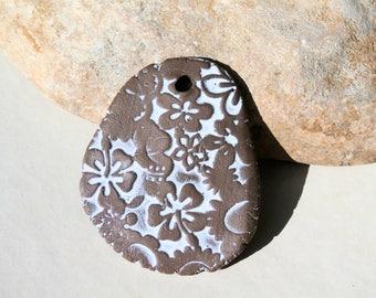 white pendant, hippie boho pendant, flower power, ooak earthy pendant