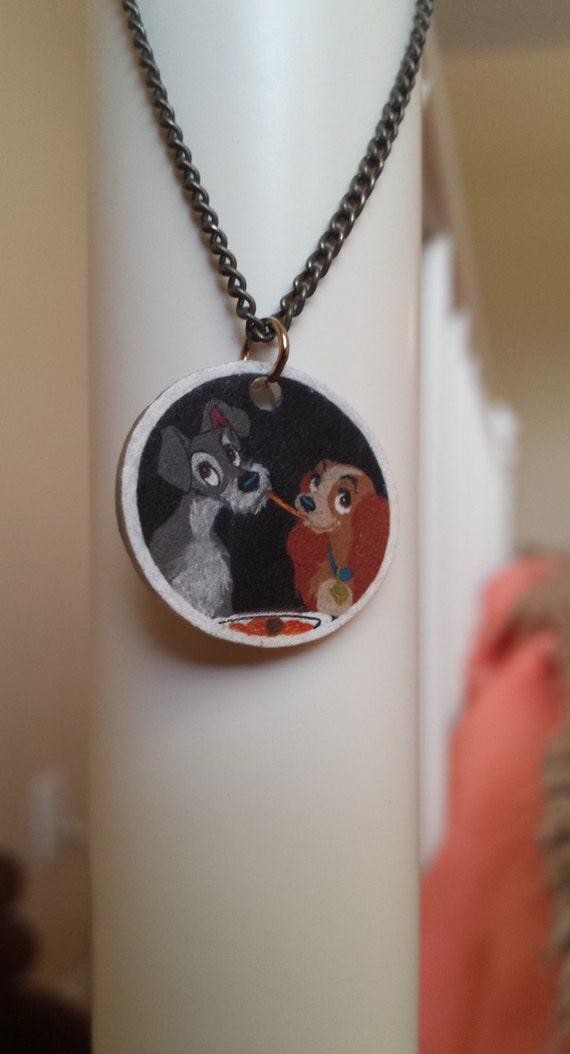 La dama y el vagabundo collar