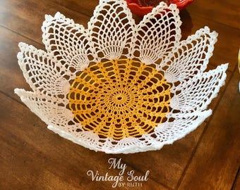 Daisy Doily Bowl - Crochet Flower Doily - Lace Bowl - Country Rustic Decor - Housewarming Gift - Doily Basket - Farmhouse Table Decor