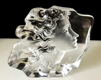 Stunning Mats Jonasson Woman's Face Swedish Art Glass Sculpture