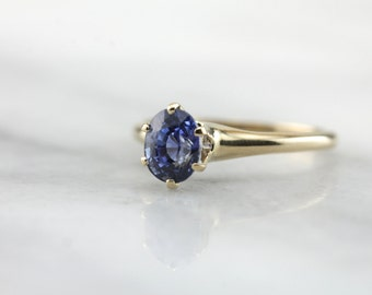 The Perfect Sapphire Enagement Ring: Classic Sapphire Solitaire with Gorgeous Stone  8W7TLV-P