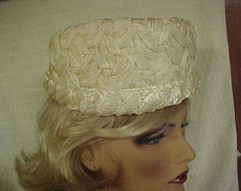 """SALE  White pill box hat made of woven straw- fits 22"""""""