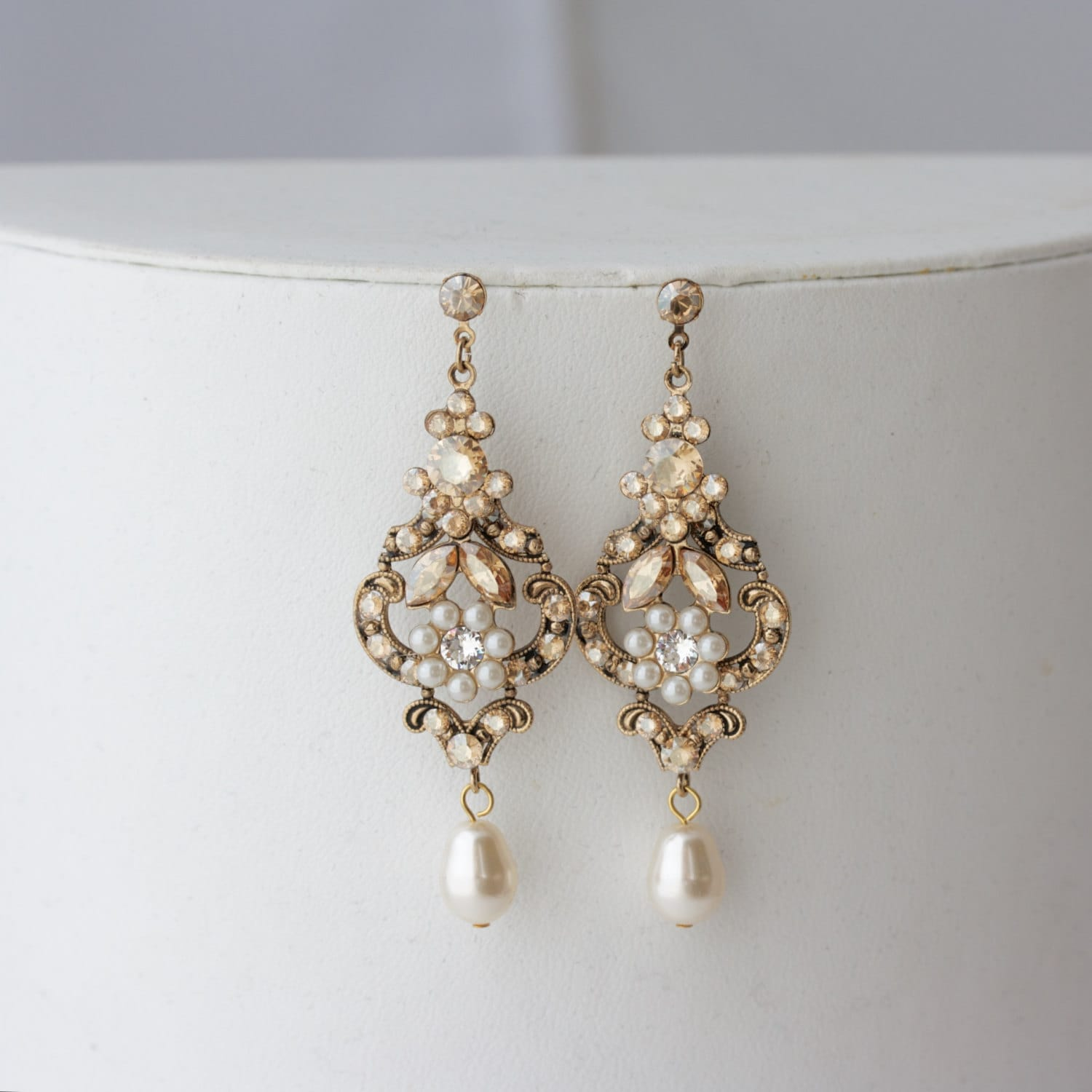 Chandelier wedding earrings antique gold bridal earrings zoom arubaitofo Gallery