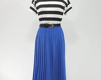 80's Vintage Periwinkle Pleated Skirt/ Medium