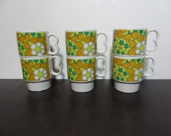 Vintage Retro Stacking Ceramic Coffee Cups with a Floral Daisy Design - Set of 6