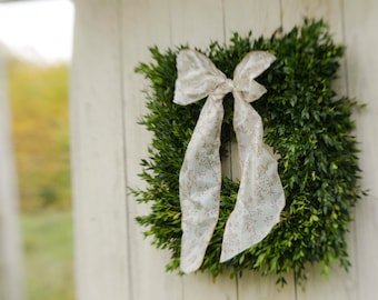 "Fresh square boxwood wreath, 22"" square wreath, Christmas wreath, boxwood wreath, holiday wreath, wedding wreath,  fresh boxwood wreath"