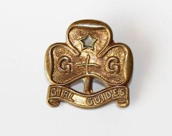 Vintage Girl Guide pin. Vintage Girl Guide promise badge. Girl Guide Trefoil badge