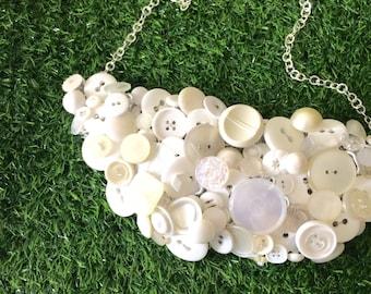 White Button Necklace, Vintage Button Statement Necklace, Retro Buttons, Bib Necklace, Vintage Silver Necklace