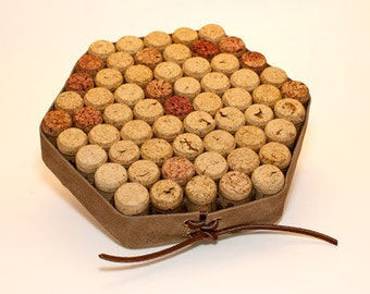 Wine Cork Trivet, FREE SHIPPING, Hot Pad, Table Protector, Wine Lover Gift, Wine Drinker Gift, Natural Corks, Dining Room Decor