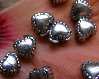 Set of 10 heart beads