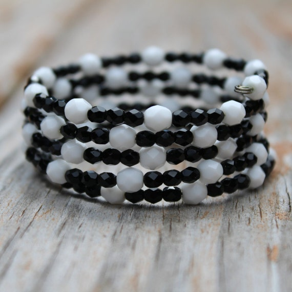 Black and White Thick Beaded Memory Wire Bracelet, Checkerboard Jewelry