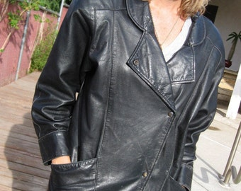 North Beach Leather Jacket Michael Hoban - 80s Vintage Wedge Moto Jacket - West Coast Biker Babe Black Distressed Leather Tough Chic 7 / 8
