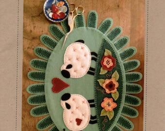 Woolen Love Table Topper Wool Applique Pattern by Bird Brain Designs