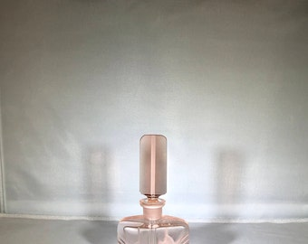 Vintage-Perfume-Bottle-Pink-Glass-Vanity-Bathroom Decor