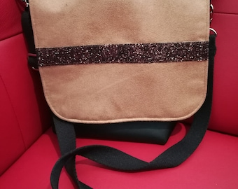 Chic suede for Fashionista bag flap