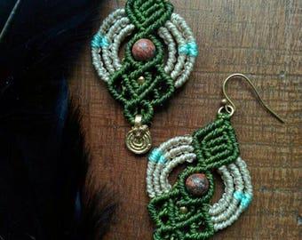 Ethnic earrings with Leopardino Jasper and brass details.