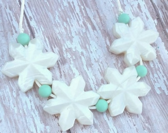 Silicone Teething Necklace, Silicone Nursing Necklace, Snowflake Teething Necklace, Winter Necklace, Mom Necklace, New, Christmas Gift