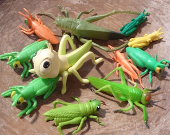 11 Miniature Grasshopper Cricket Bug Insect Plastic Toy Terrarium Diorama Animal Figurine Vintage Fairy Garden Craft Supply Lot Zoo (#1546)