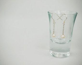 Minimalist bracelet Fresh water pearl earrings  [Simple Elegance]