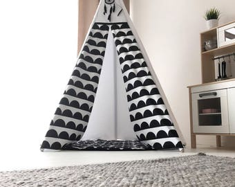 Tipi THE CRESCENTS- double sided teepee, B&W tipi tent, canvas teepee, teepee tent, indoor tent, speeltent, toddler tent, kids tipi, wigwam