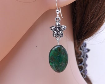 Green earrings, Czech glass earrings, flower earrings, summer jewellery, pretty earrings