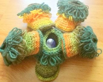loops booties, crochet baby Bootie