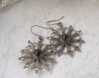 Bohemian Flower Earrings, Vintage Sterling Earrings, Garnet Red Earrings, Vintage Ethnic Earrings, Bold earrings, Daisy Jewelry