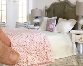 Miniature Hand Knitted Blush Pink Throw Blanket - Dollhouse - Roombox - Diorama - 1:12 scale