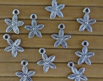 10 charms in antique silver, pearls bc214 fimo flowers