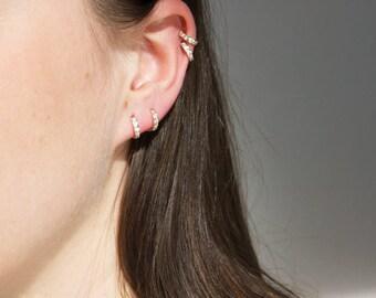 9ct gold - cubic zirconia - tiny hoop earring - tiny hoop - gold hoop earring - huggie - gold hoops - cartilage hoops -  gold hoop -I3HU3745