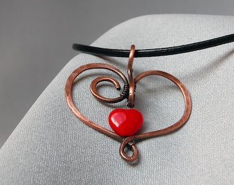 Minimalist heart pendant, heart necklace, gift for women, heart jewellery, copper jewelry red heart gift, Valentines day, wire wrap jewelry