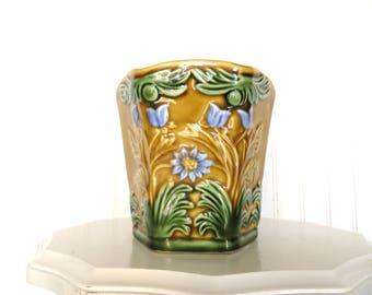 Vintage Planter/Vase Majolica Style