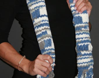 Soft and bulky winter scarf