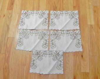 Placemats - Set of 5 Cloth Madeira