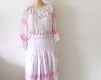 1950s Day Dress / vintage pink floral print chiffon shirtwaist with ruffled collar