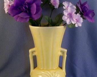 Vintage McCoy Vase // Sunshine Yellow // Mid Century // No Damage // Classic Look