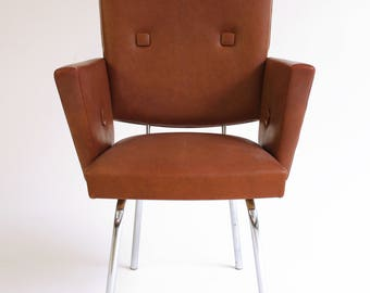 Sold-sold-armchair/French hairdressing chair mid-century modern