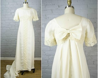 vintage 1960s wedding dress . ecru cream chiffon and lace 60s wedding gown with train and a bow . by Monika . small xsmall