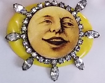 Full Moon   The man in the moon  Moon face brooch  I love you to the moon and back  Celestial jewelry  Sun and Moon  Moon face  Moon jewelry