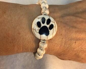 Paw Print Bracelet, Stretch Bracelet, Black Paw Print, Paw Print Bead, Beige Beads, Silver Spacer Beads, Dog Lovers Bracelet