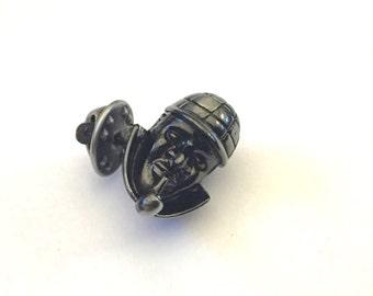 Sherlock Holmes Tie Tack, Sherlock Holmes Lapel Pin, Baker Street, Sherlock Holmes Jewelry